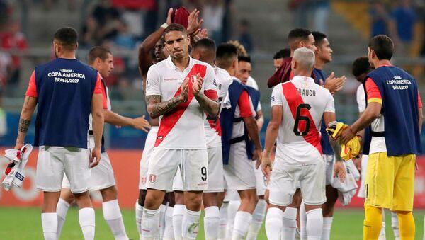 Futbolistas de la selección peruana tras el partido frente a Venezuela por la Copa América - Sputnik Mundo