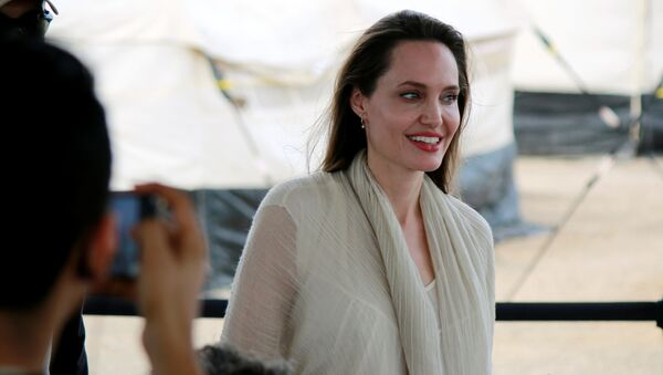 Angelina Jolie, actriz hollywoodense - Sputnik Mundo