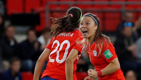 Yanara Aedo, de la selección de Chile, celebra el gol a Tailandia durante el Muncial femenino de fútbol en Francia, el 19 de junio de 2019 - Sputnik Mundo