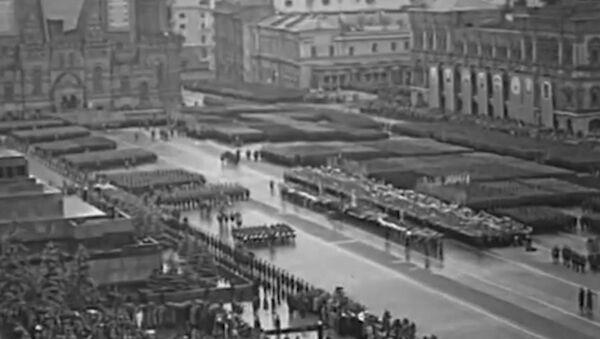 Símbolo del triunfo sobre el nazismo: el primer Desfile de la Victoria en la Plaza Roja de Moscú - Sputnik Mundo