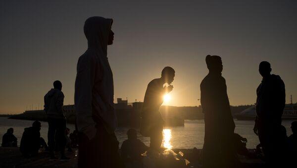 Migrantes llegan a España - Sputnik Mundo