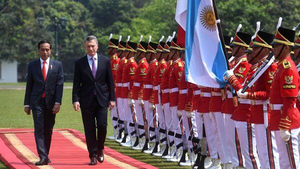 El presidente de Argentina, Mauricio Macri, junto a su par de Indonesia, Joko Widodo - Sputnik Mundo