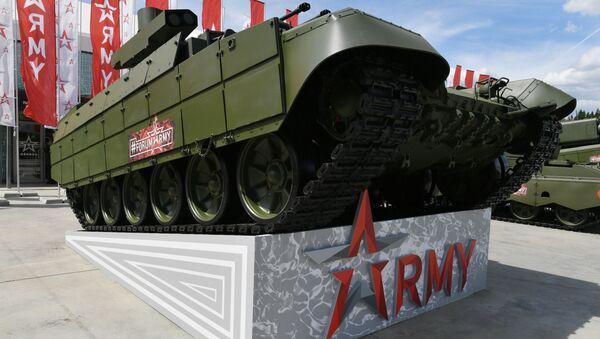 Un tanque ruso en el foro internacional Army 2019 - Sputnik Mundo