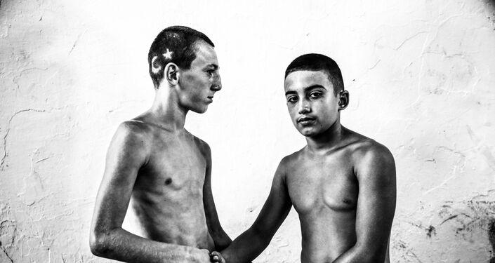 'El torneo de lucha de aceite de Kirkpinar', del fotógrafo turco Elif Ozturk Ozgoncu, se hizo un hueco en la categoría 'Deporte, series'.