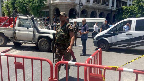 El lugar del atentado en la capital de Túnez - Sputnik Mundo