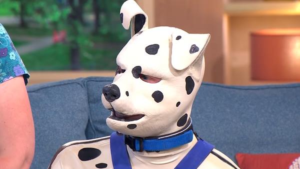 Tom Peters, el británico que se considera un dálmata cachorro - Sputnik Mundo