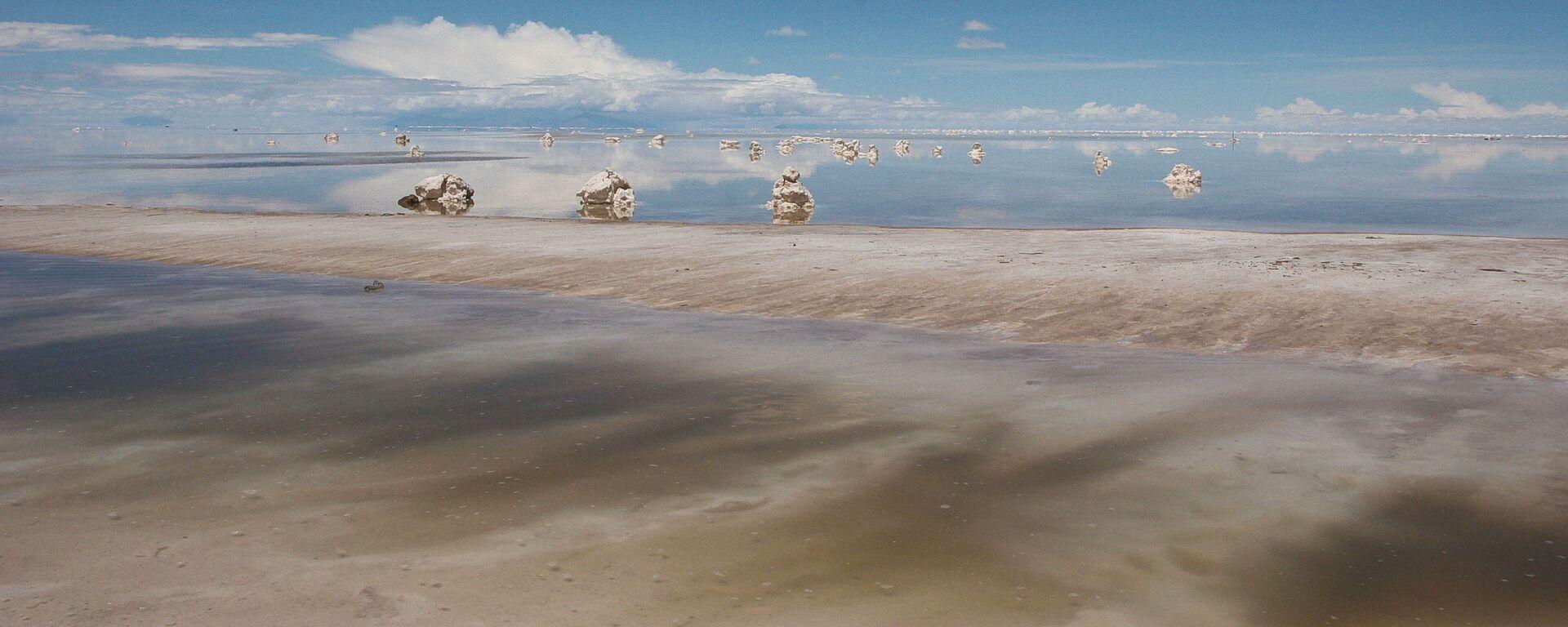 El salar de Uyuni en Bolivia, gran reserva de litio - Sputnik Mundo, 1920, 02.02.2021
