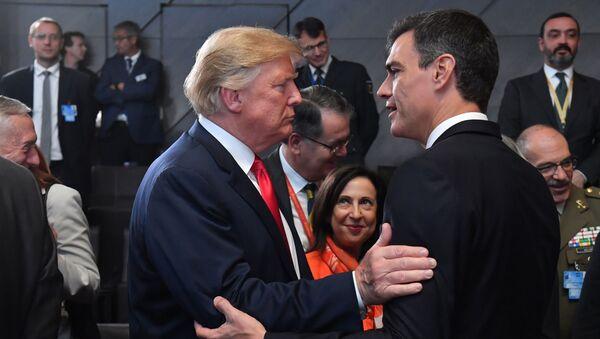 El presidente de EEUU, Donald Trump, y el primer ministro de España, Pedro Sánchez - Sputnik Mundo