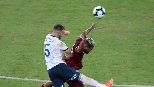 El partido entre Argentina y Venezuela en los cuartos de finales de la Copa América de Brasil - Sputnik Mundo