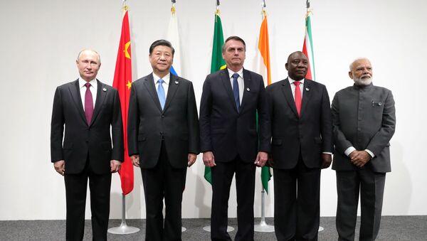Los líderes que conforman el bloque de los BRICS en Osaka - Sputnik Mundo
