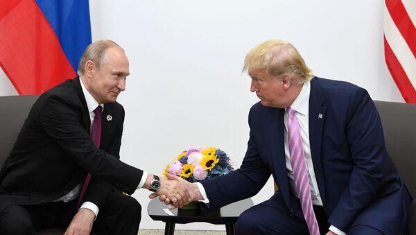 La reunión de Vladímir Putin y Donald Trump al margen de la cumbre del G20 - Sputnik Mundo