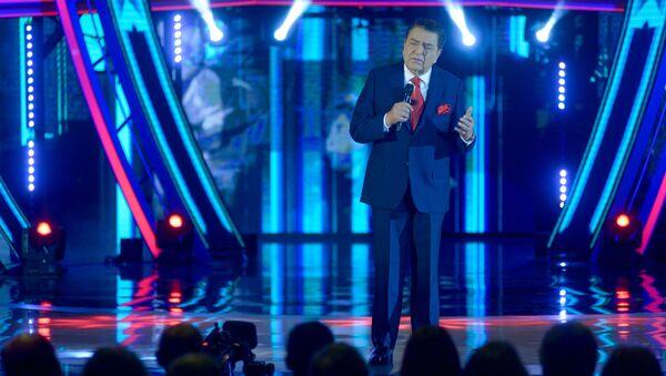 Mario Kreutzberger, más conocido como Don Francisco, presentando la Teletón 2018 - Sputnik Mundo