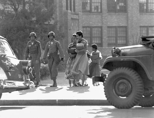 Este es un momento de orgullo: a 56 años del fin de la segregación institucional en EEUU - Sputnik Mundo