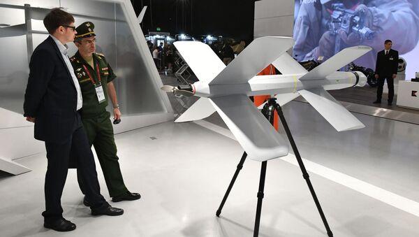 El dron kamikaze ZALA Lancet en el foro Army 2019 - Sputnik Mundo