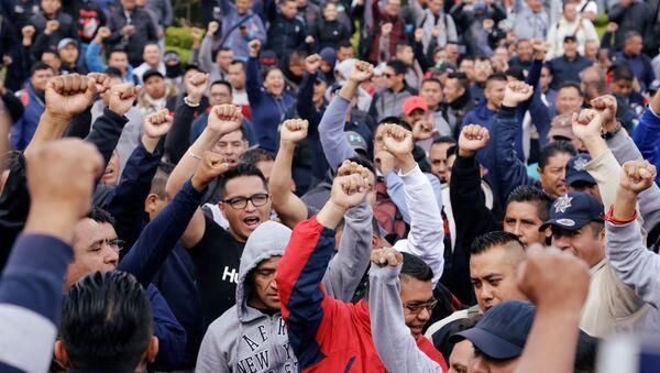 Policías federales protestan contra cambio a Guardia Nacional en la Ciudad de México - Sputnik Mundo