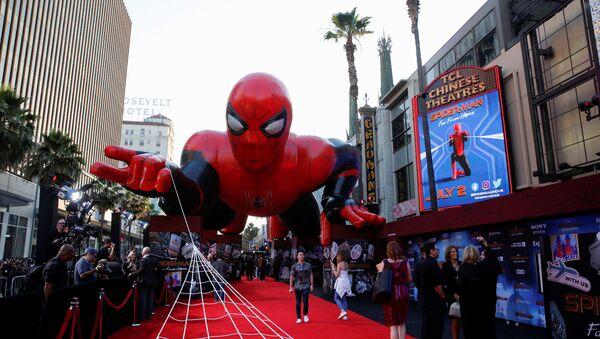 Globo con la forma de 'Spider-Man' - Sputnik Mundo