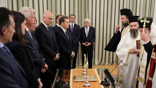 El juramento del nuevo Gobierno griego ante el arzobispo de Atenas - Sputnik Mundo