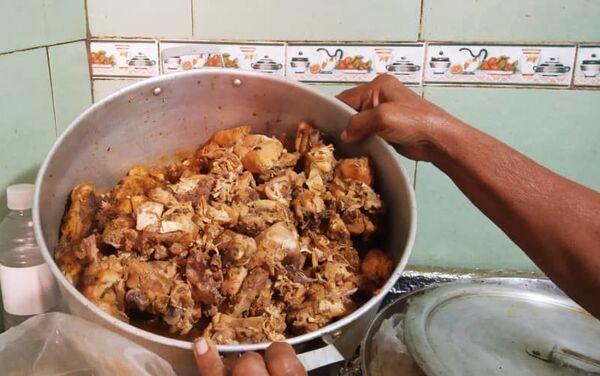 Comida preparada en la casa de alimentación Luchadoras de la Patria, en Caracas, Venezuela - Sputnik Mundo