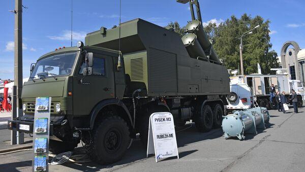 El sistema móvil de misiles costeros Rubezh-ME en el Salón Internacional de Defensa Marítima de San Petersburgo - Sputnik Mundo