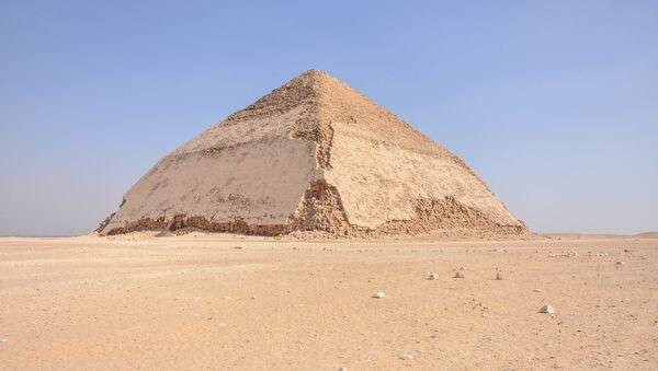 La pirámide Acodada  - Sputnik Mundo
