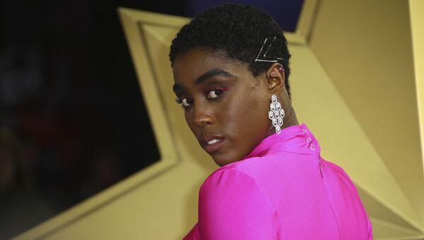 Lashana Lynch, actriz - Sputnik Mundo