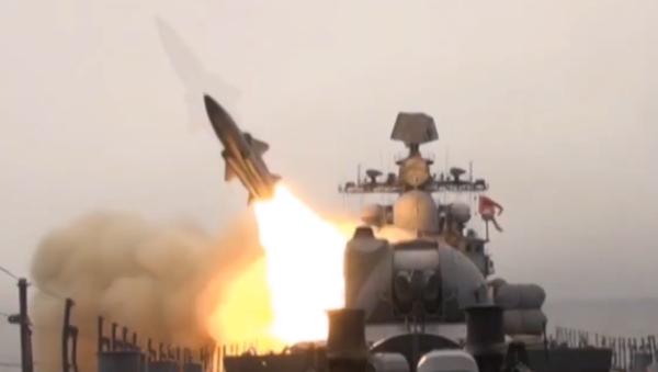 La Flota rusa del Pacífico pone sus misiles supersónicos a prueba - Sputnik Mundo
