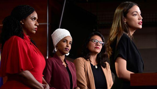 Las legisladoras de EEUU Ayanna Pressley, Ilhan Omar, Rashida Tlaib y Alexandria Ocasio-Cortez - Sputnik Mundo