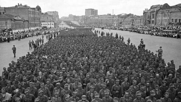 El histórico día en el que miles de nazis derrotados marcharon por Moscú - Sputnik Mundo