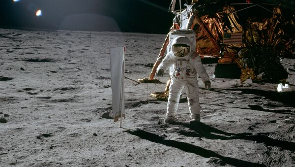 El astronauta Edwin E. Aldrin en la Luna, el 20 de julio de 1969 - Sputnik Mundo