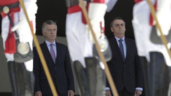 El presidente de Argentina, Mauricio Macri, con su par brasileño, Jair Bolsonaro - Sputnik Mundo