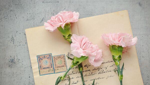 Cartas y flores - Sputnik Mundo