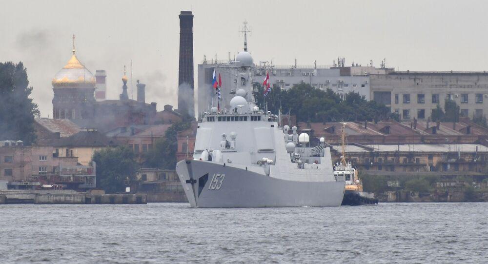 El destructor Xian de la Armada de la República Popular China en San Petersburgo