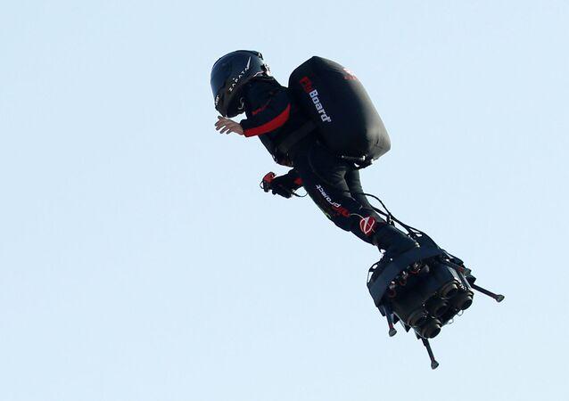 Franky Zapata, el hombre volador