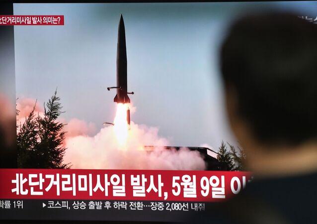 Lanzamiento de un misil por Corea del Norte