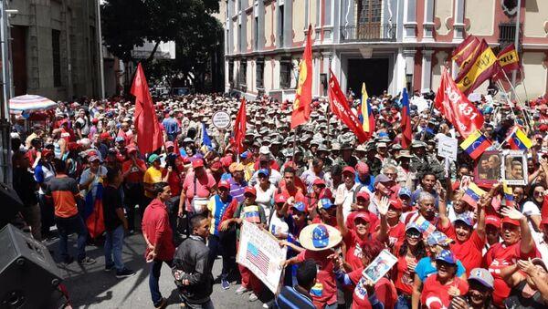Los seguidores del Gobierno se movilizan en Caracas para apoyar el Foro de Sao Paulo - Sputnik Mundo