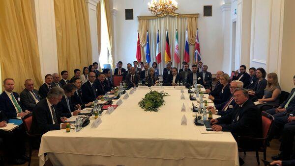 La reunión extraordinaria de la comisión conjunta sobre el PAIC en Viena - Sputnik Mundo