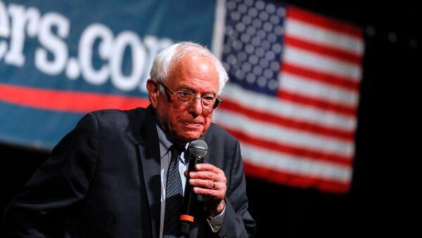 Bernie Sanders, político estadounidense, durante su camapaña presidencial para 2020 en Los Angeles, el 25 de julio de 2019 - Sputnik Mundo