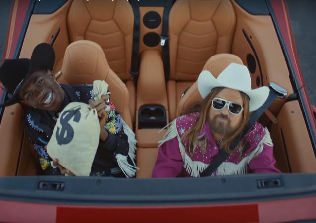 Vídeo de la canción 'Old Town Road' de Lil Nas X y Billy Ray Cyrus