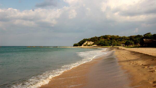 Una playa en Sri Lanka - Sputnik Mundo