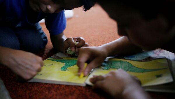Niños de migrantes centroamericanos - Sputnik Mundo