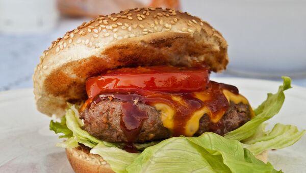 Pan de hamburguesa con sesamo - Sputnik Mundo