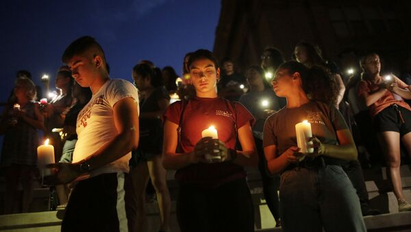 Homenaje a las víctimas del tiroteo en El Paso, Texas - Sputnik Mundo