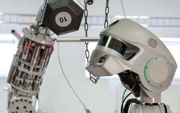 Las pruebas del robot Fedor dentro del proyecto 'Salvador' - Sputnik Mundo