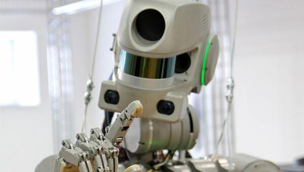 El robot Fedor - Sputnik Mundo