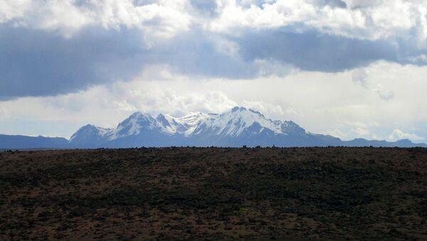 Sabancaya, volcán peruano  - Sputnik Mundo
