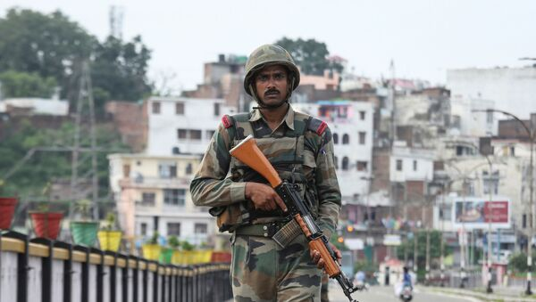 Militar indio en Jammu - Sputnik Mundo