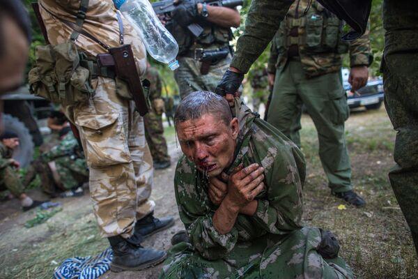 Украинский десантник, взятый в плен в ходе боя за город Шахтерск - Sputnik Mundo