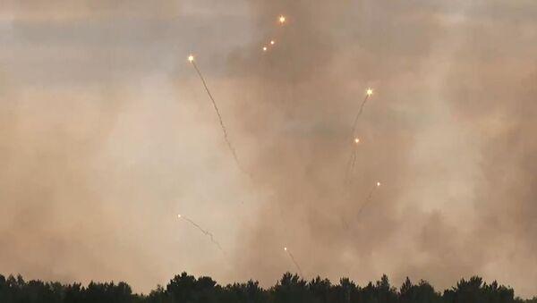 Incendio de municiones en un arsenal en la región rusa de Krasnoyarsk  - Sputnik Mundo