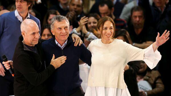 El presidente argentino Mauricio Macri junto a la gobernadora de la provincia de Buenos Aires María Eugenia Vidal y el jefe de Gobierno porteño, Horacio Rodríguez Larreta - Sputnik Mundo