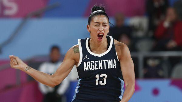 Debora Gonzalez, baloncestista argentina, celebra un triple contra EEUU en los Juegos Panamericanos Lima 2019 - Sputnik Mundo
